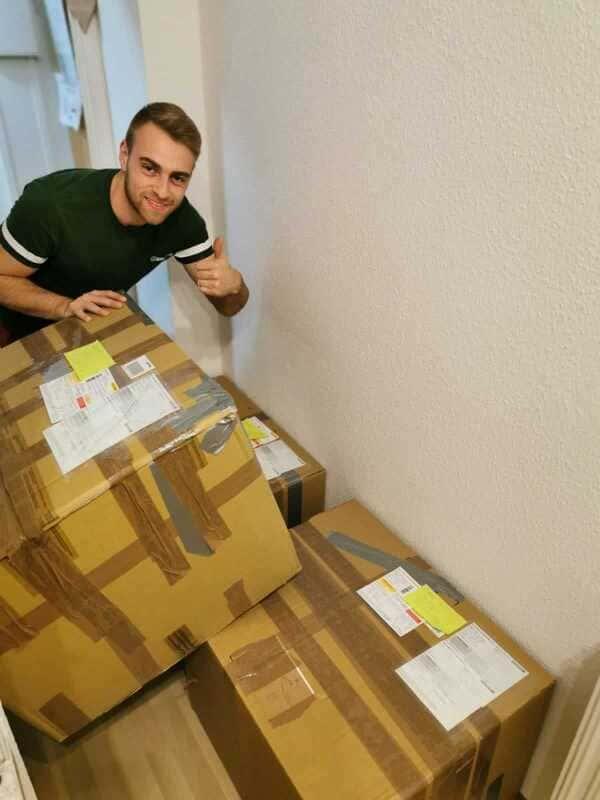 jacob von tfdw mit den paketen für ysu